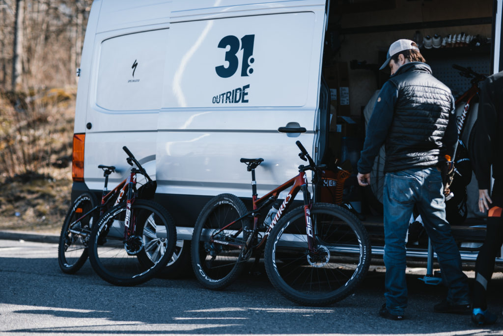 Team31:Outride van and bicycles